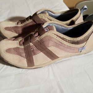 Dr. Scholls slip on shoes, womens size 7.5